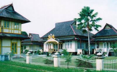 Istana – Istana Kerajaan di Indonesia yang Masih Ada di Pulau Borneo
