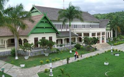 istana istana kerajaan di indonesia yang masih ada di